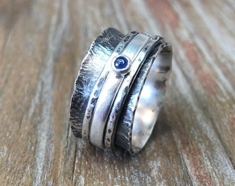 Sapphire Gemstone Spinner Ring Embossed Dandelions Texture Patina Ring Argentium Sterling Silver Band