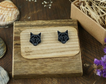 Black acrylic wolf geometrical stud earrings