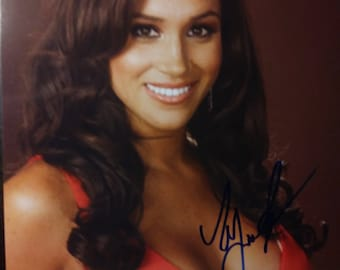 Meghan Markle Signed Photo Suits