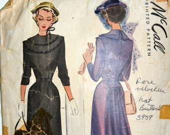 1940s McCall's Vintage Sewing Pattern 7444, Size 12