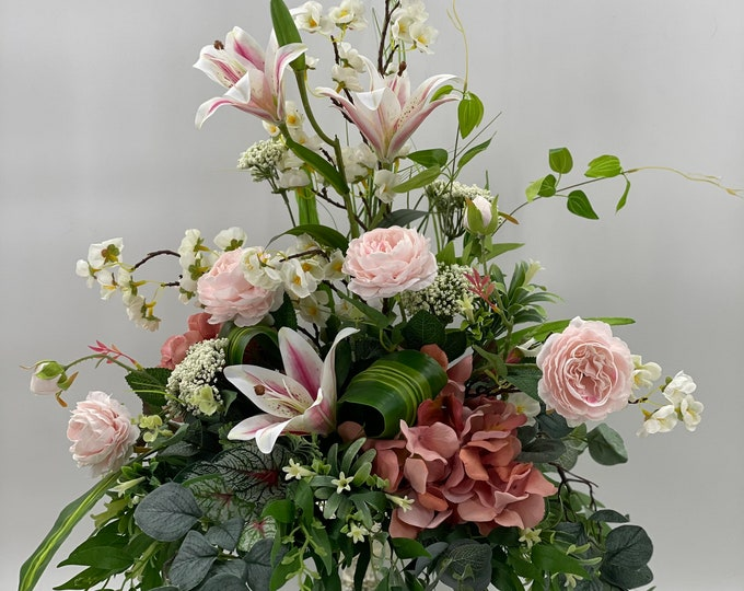 Realistic artificial flower arrangement, spring arrangement, spring centerpiece, white blue flower arrangement