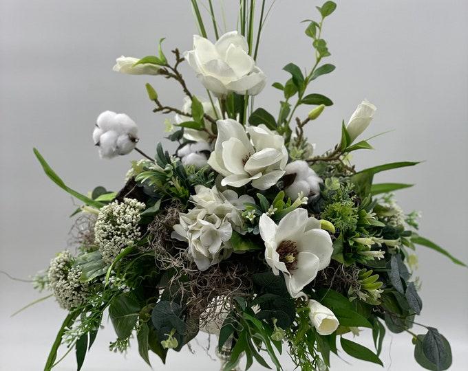 Realistic artificial flower arrangement