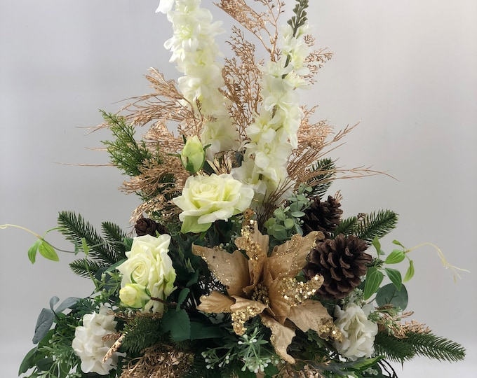 Luxurious Christmas centerpiece that will last forever, Christmas table arrangement