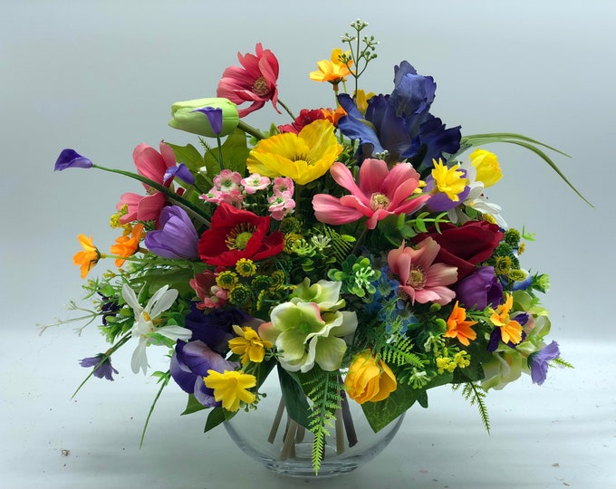Bright and colorful flower arrangement, bright bouquet, summer arrangement, centerpiece, spring arrangement