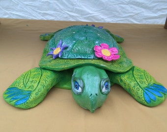 Flirtle the Turtle Sculpture
