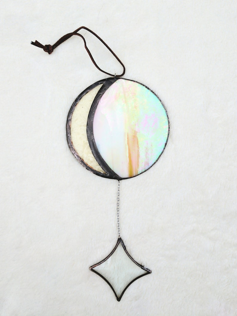 Moon Catcher in Light Phase