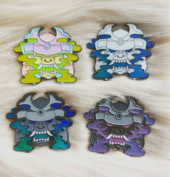 Thermal Samurai Helmet Mystery Pins Lucky Bag