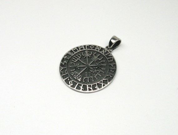 vegvisir viking compas argent 925 bijoux charmes magiques etsy. Black Bedroom Furniture Sets. Home Design Ideas