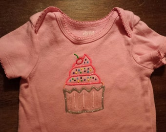 9895bcf9 puffy paint cupcake birthday shirt or onesie