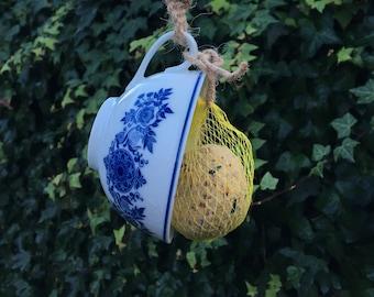 Jolois Vintage tea cup to feed birds, high tea in your garden