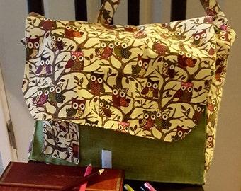 Messenger baby bag, owl diaper baby bag, green diaper bag, cross body school bag, cross body diaper bag, student school bag,bag with pockets