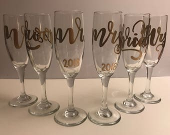 Custom Champagne Flutes for Bride and Groom