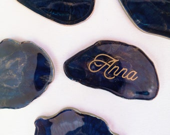 Blue Resin Place Card - Imitation Agate stones, handmade resin and calligraphy with gold vinyl, ideal for wedding and special events