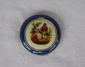 Vintage Powder Compact with Musical Couple