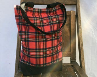Red & Black Tartan Plaid Brunch Tote, Red Plaid Purse, Plaid Brunch Tote Bag