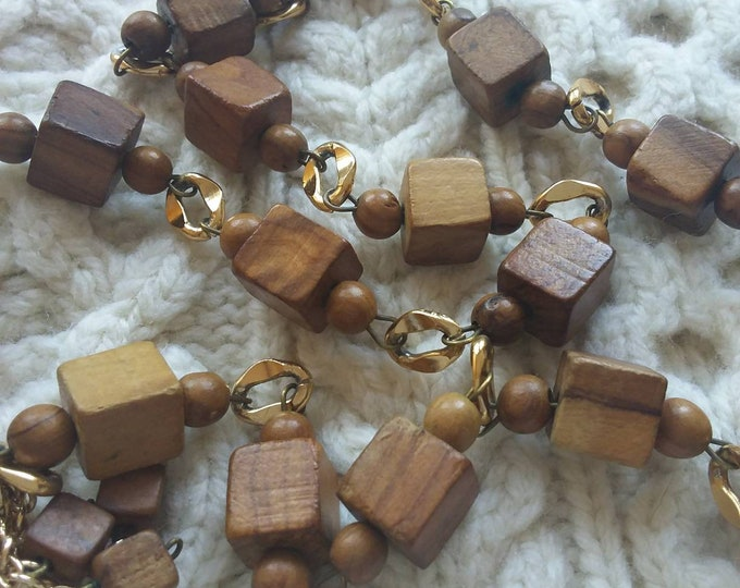 Vintage 70s Necklace in Wood and Golden details ~ Cosy Warm Minimal Chic