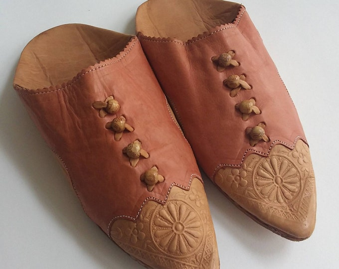 Vintage 70s Moroccon Slippers ~ Handmade Shoes in Pink Leather
