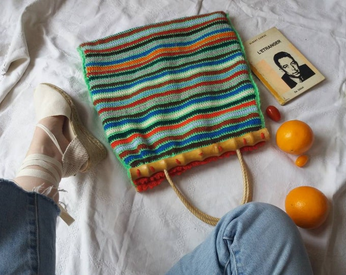 FINAL SALE ! Vintage 60s/70s Trapeze Bag ~ Colorful Wool and Bamboo Bag ~ Pic nic Boho Hippie Bag ~ Handknitted