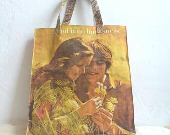 2ca63b063d6 Vintage 70s boodschappentas ~ iconische Hippie foto Print bloem-kind ~ het  uitgeven van geluk