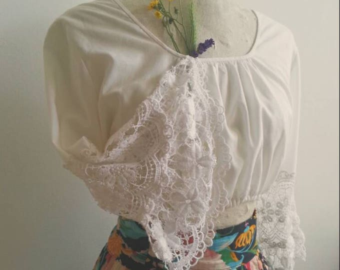 Vintage 70s Festival Crop Top Bohemian Crochet Bell Sleeves White Lace Cotton Hippie Style