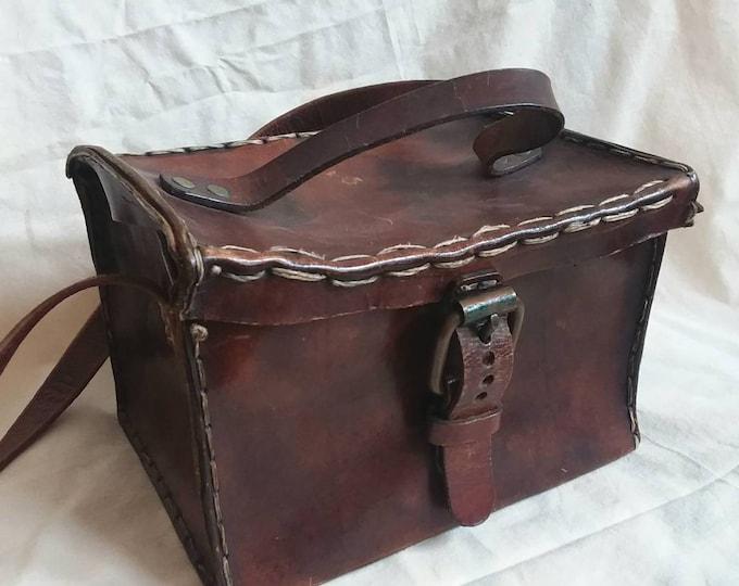 Vintage 40s Boxy Bag ~ Artisian Leather Bag ~ Handmade in Holland