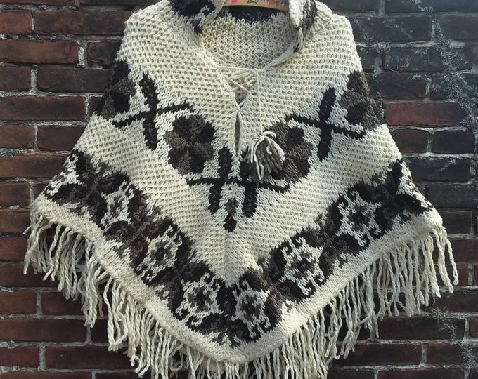 Vintage 70s Wool Poncho ~ White and Brown Handmade Sweater Poncho with Fringes ~ Hippie Bohemian Style