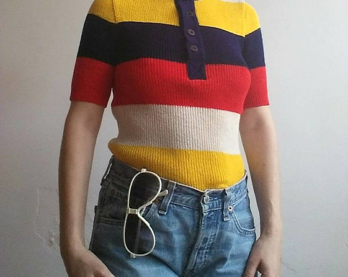 Vintage 70s Striped Shirt ~ Buttoned up Chunky Stretching Shirt ~ Groovy Style