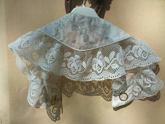 Vintage Romantic Floral Collar ~ Cotton and Lace