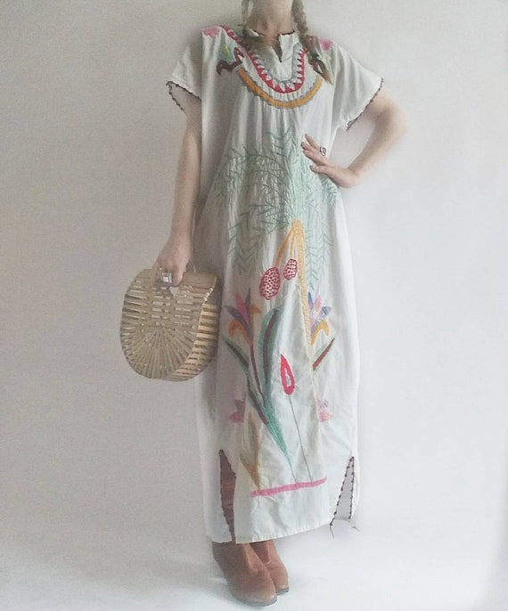 Vintage 70s Embroidered Kaftan Dress