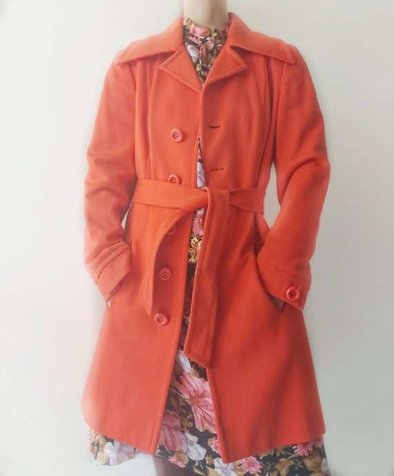 "Luisa Spagnoli ~ Vintage 60s Coat Made in Italy ~ Red cotton coat ""Nido D'Ape"" ~ Classical Twiggy Mod Style"