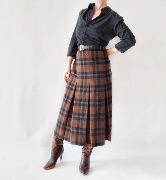 Vintage Tartan Skirt ~ Brown Wool Skirt with Belt