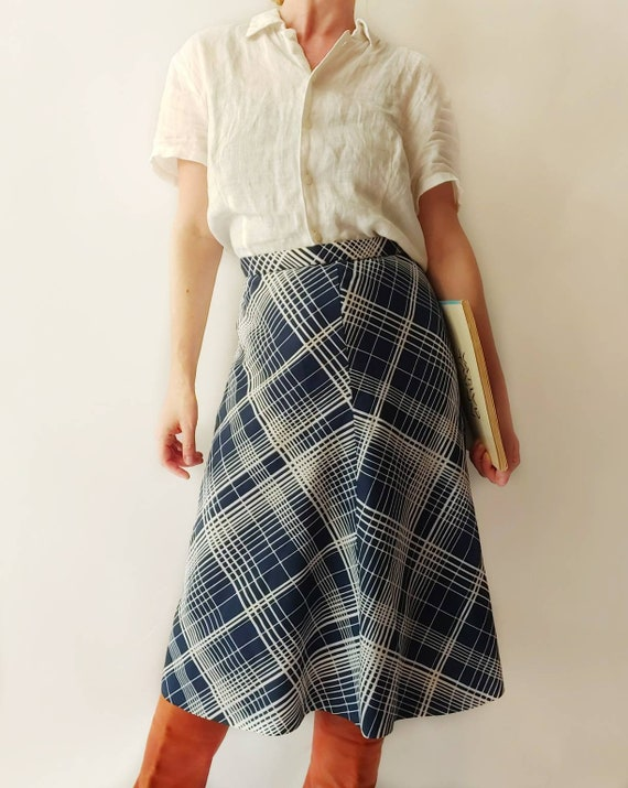 Vintage 70s Trapeze Skirt in Tartan Blue