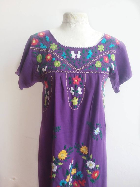 Vintage 70s Embroidered Mexican Dress ~ Bohemian Cotton Dress