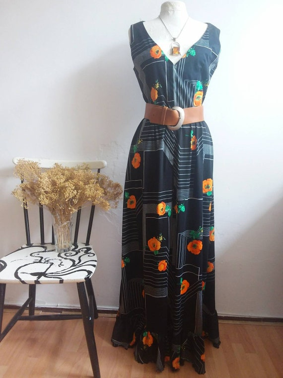 Vintage 70s Maxi Floral Dress ~ Bohemian Style