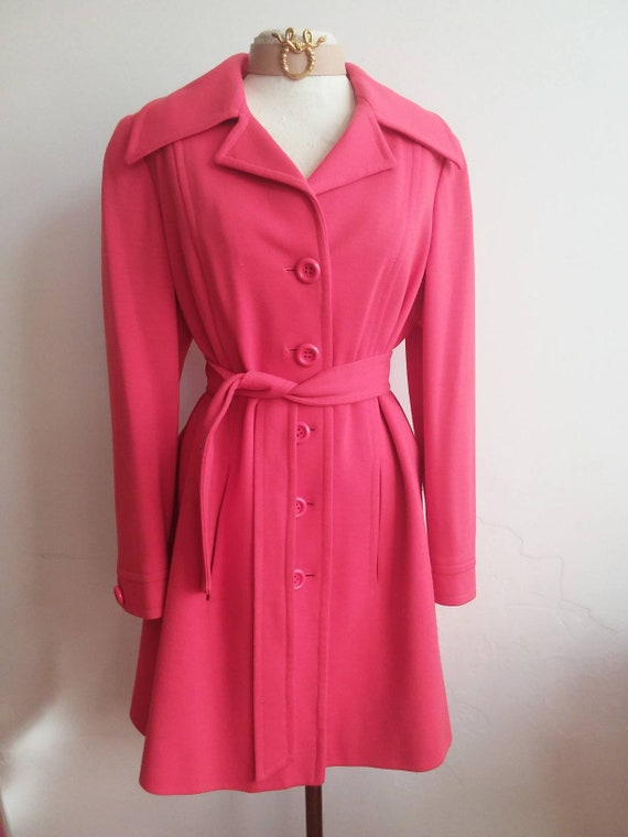 """Luisa Spagnoli ~ Vintage 60s Coat Made in Italy ~ Red cotton coat """"Nido D'Ape"""" ~ Classical Twiggy Mod Style"""