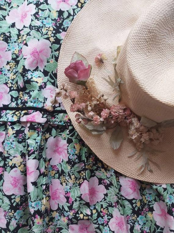 Vintage 70s Romantic Hat ~ Dried flowers