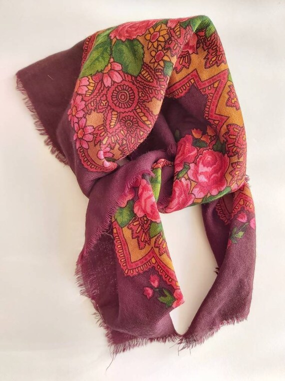 Vintage 70s Russian Scarf
