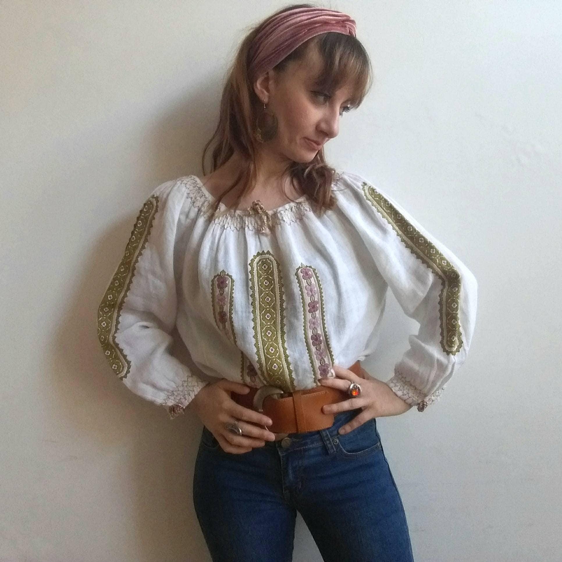 70s White Blouse Anlis