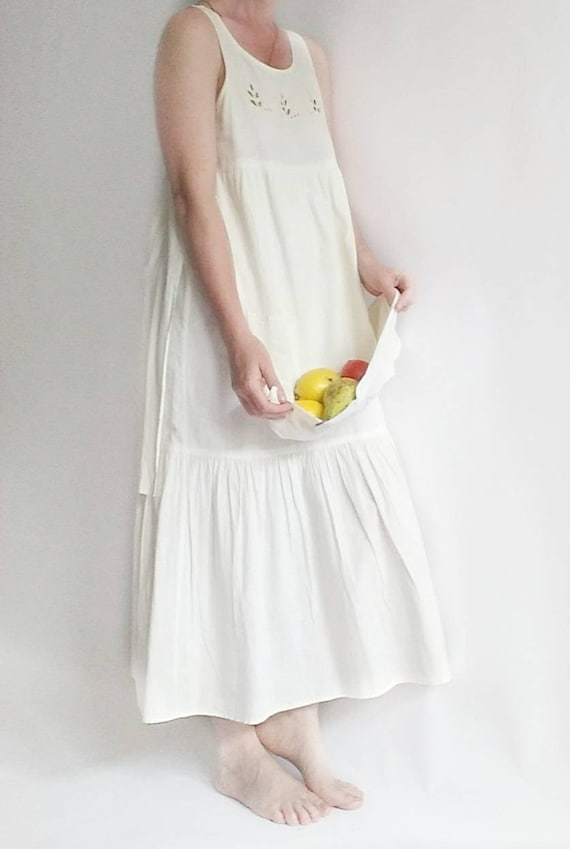 Vintage 70s White Eyelet Cotton Dress with Apron and Pockets ~ Praerie Style