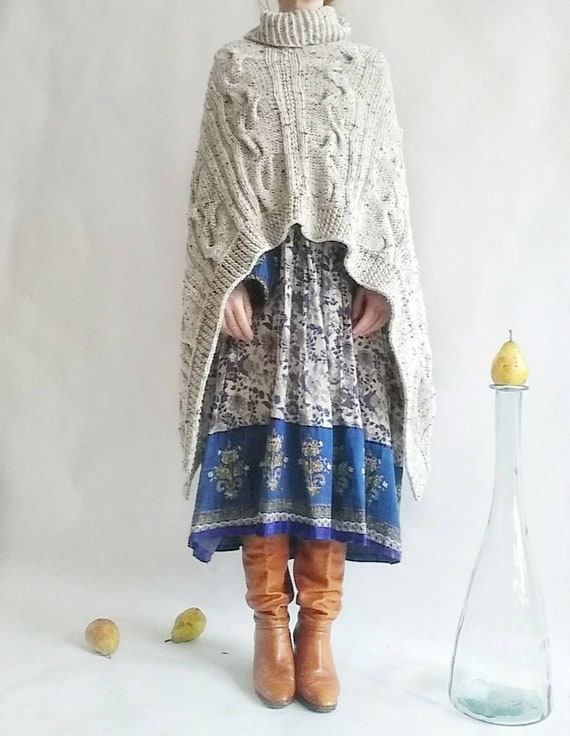 Vintage Salt and Pepper Poncho in Wool