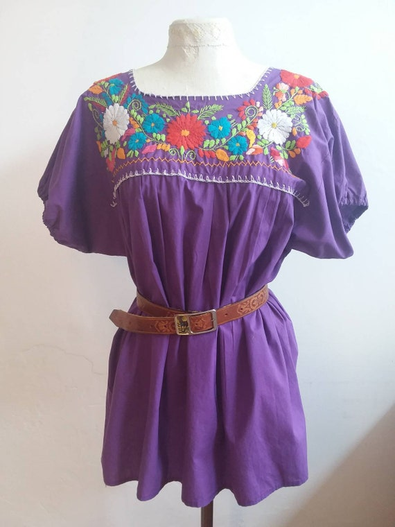 Vintage 70s Mexican Blouse ~ Floral Embroidered Cotton Shirt ~ Handmade in Mexico ~ Violet Boho Folk Style