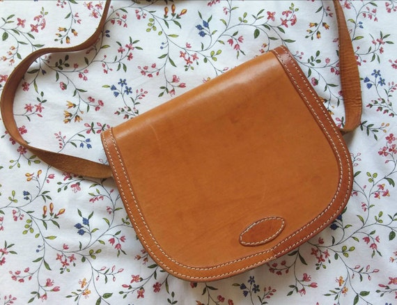 Vintage 70s Honey Leather Bag ~ Hippie Sachel Bag