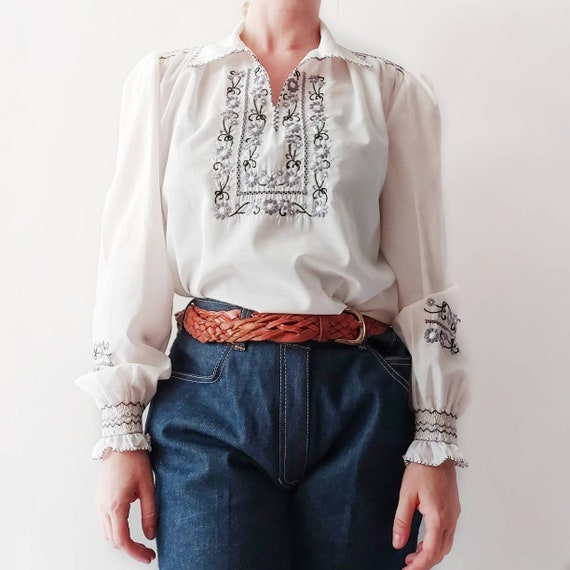 Vintage 70s Hungarian Blouse ~ Hand Embroidered White Peasant Blouse ~ Folk Bohemian Hippie Style