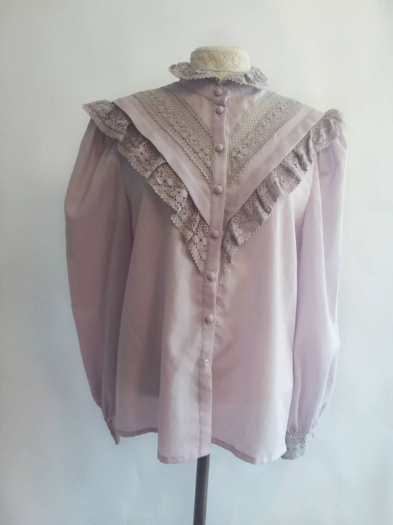Vintage 70s Victorian Lavander Blouse ~ Crochet Ruffles and Details ~ Puffy Sleeves