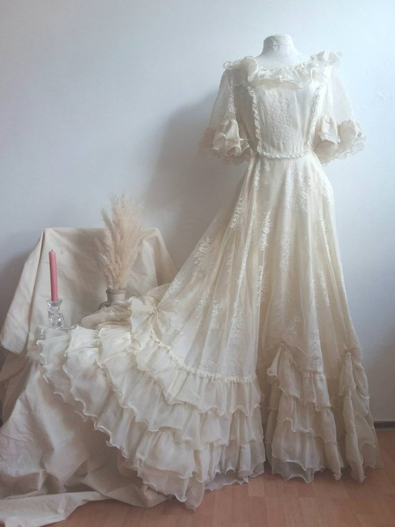 Vintage 70s Bridal Dress ~ French Lace and Ruffles ~ Bohemian Wedding ~ Romantic Bride