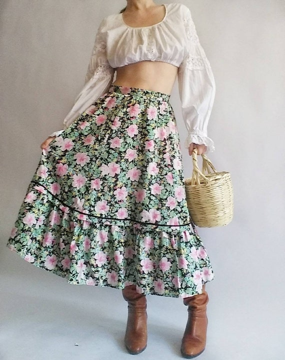 Vintage 80s Floral Skirt ~ Cotton