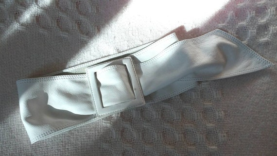 Vintage 70s White Belt in Genuine Leather ~ Squared Buckle ~ Made in Italy