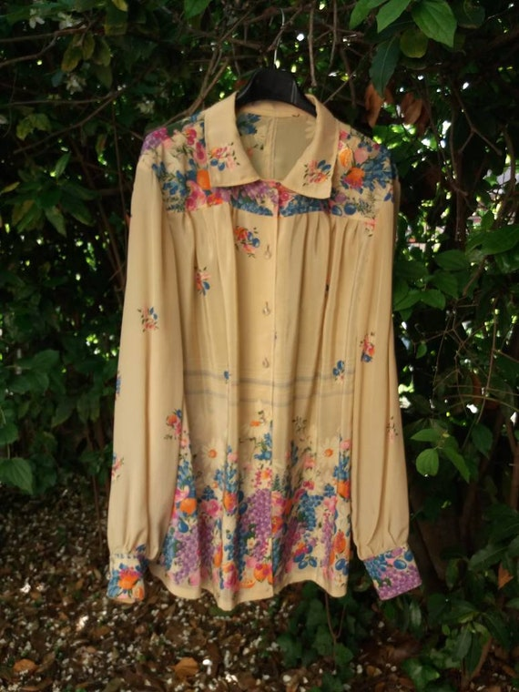 Vintage Silky Blouse with Stunning Pattern of Fruits and Flowers ~ Poet Sleeves ~ Made in Italy ~ Bohemian Style