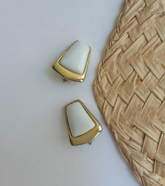 Vintage 70s/80s Clip Earrings ~ White and Golden