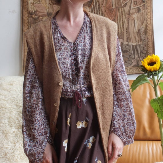 Vintage Camel Buttoned up Vest in Pure Wool
